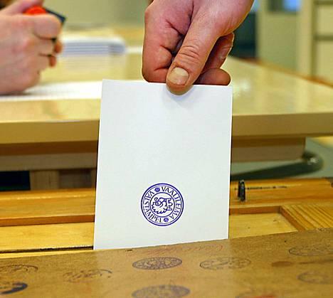 Pohjoissavolainen Hanna Miettinen ei saanut käyttää sunnuntaina äänioikeuttaan maistraatin tekemän virheen takia. Hänet oli kirjattu kuolleeksi.