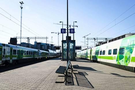 Junaliikenteessä on muutoksia viikonloppuna.