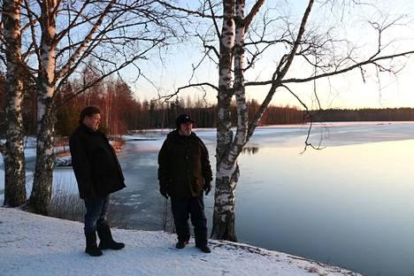 Otamon kyläyhdistyksen toiminta keskittyy kesään ja Kurikanniskan uimarantaan. Talvellakin näkymä on idyllinen, toteavat yhdistyksen puheenjohtaja Petri Kuusisto ja varapuheenjohtaja Leo Forss.