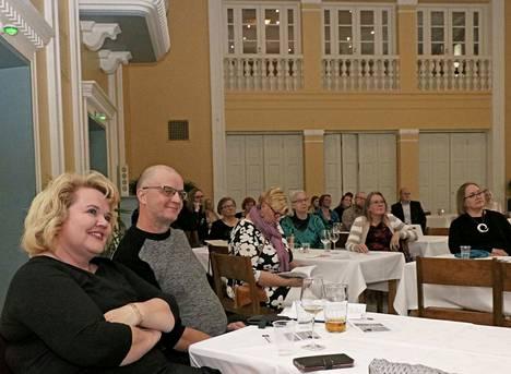 Poetry Open mic -tapahtuma keräsi Mäntän Klubille lauantaina 5. syyskuuta noin 50 osallistujaa ja tunnelmaa riitti.