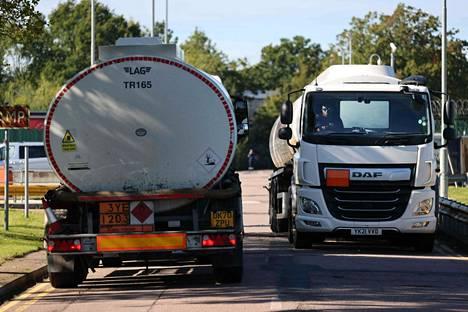 Polttoainekriisin syynä on ollut ennen kaikkea pula kuljettajista.