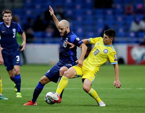 Teemu Pukki johdatti kahdella maalillaan Suomea voittoon Kazakstanista.