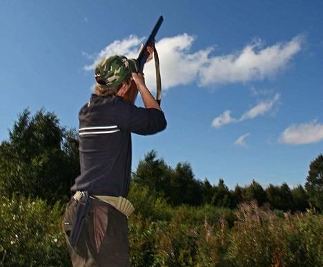 Metsästäjien määrä vähentyi 2010-luvulla mutta lasku on pysähtynyt.
