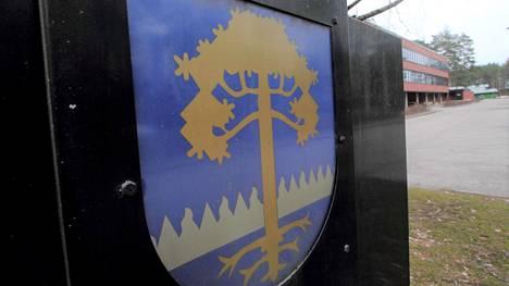 Kirjoittajan mukaan Kankaanpää seisoo ainoana paikallaan seutukunnan kakaralauman kaitsijana.