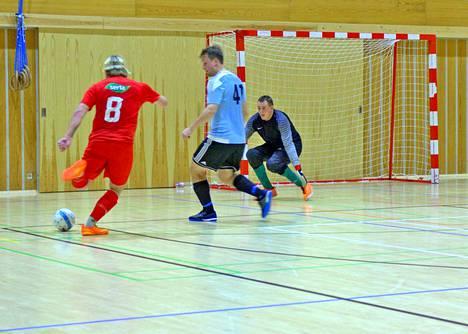 Valo hyökkää tehokkaasti ja voittaa Kangasalan Voiton tärkeässä ottelussa 5–7.