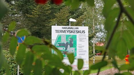 Harjavallan terveyskeskukseen on perustettu tilannekeskus, jossa työskentelee Porin perusturvan ja Kessoten tartunnanjäljityksen työntekijöitä.