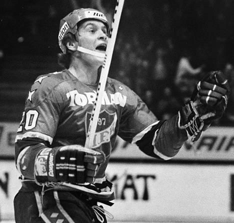 Matti Hagman voitti SM-liigan pistepörssin neljännen ja viimeisen kerran kaudella 1984–1985.