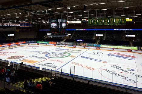 Tältä Hakametsän hallin jää näytti Tampere Cupissa.