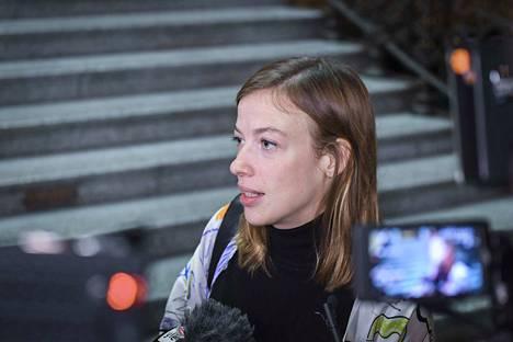 Vasemmistoliiton puheenjohtaja Li Andersson järkyttyi muodostelmaluisteluvalmentajan toimista.