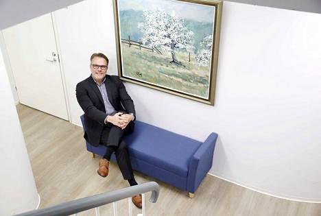 Pasi Aakulan mielestä työympäristön vaihtaminen torjuu uupumusta. Hänellä itsellään on monipuolista työkokemusta Mynämäeltä, Turusta ja Helsingistä sekä nyt Porista. Aakula on Lähi-Tapiola Satakunnan toimitusjohtaja.