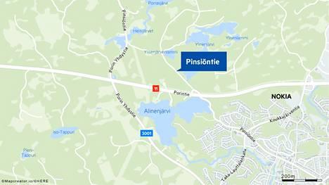 Onnettomuus tapahtui Porintiellä lähellä Pinsiöön vievää tietä.