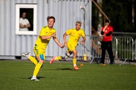 Linus Rönnberg on ollut Ilveksen toiseksi tehokkain tänä vuonna. Rönnberg on tehnyt kymmenessä ottelussa viisi maalia.