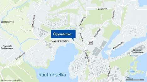 Öljyvahinko sattui Lempääläntiellä lähellä Valkeakosken keskustaa.