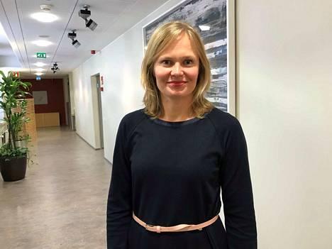 Tiede- ja kulttuuriministeri Hanna Kosonen on todennut, että sote-ratkaisussa on kyse isommasta kokonaisuudesta kuin vain erikoissairaanhoidosta.