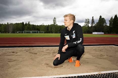 Kristian Pulli kotikentällään Jämsässä Paunun urheilukentällä.