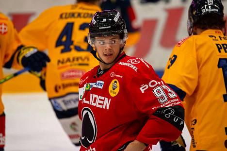 Ässien Jesperi Kotkaniemi on yksi harvoista Liigassa pelaavista NHL-vahvuuksista, joilla on vahva paikka NHL-joukkueessaan.