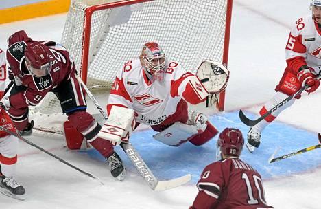 KHL on jo hyvässä vauhdissa. Riian Dinamo ja Moskovan Spartak ottivat toisistaan mittaa sunnuntaina.