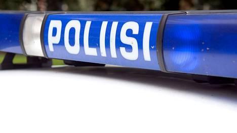 Poliisipartio otti lauantaina kiinni autoilijan, jonka epäillään ajaneen huumausaineiden vaikutuksen alaisena.