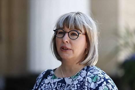 Sosiaali- ja terveysministeri Aino-Kaisa Pekonen kertoi vasemmistoliiton toivovan vähintään määräaikaista korotusta toimeentulotukeen.