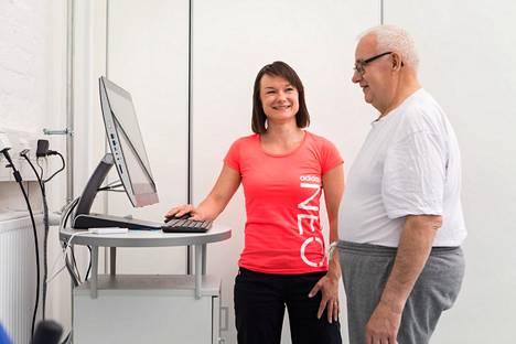 Kaikissa Nokian kaupungin ikäihmisten palveluyksiköissä ohjataan, opastetaan ja perehdytetään alan opiskelijat töihin niin kuin he jo olisivat osa porukkaa.