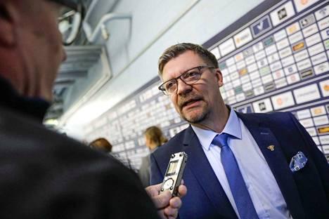 Leijonien päävalmentaja Jukka Jalonen valmistaa joukkuettaan 10. toukokuuta alkaviin MM-kisoihin. [Miikka Jääskeläinen