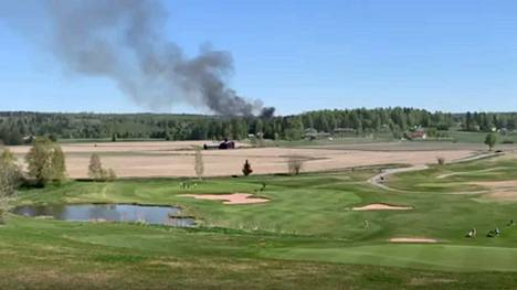Taivalkunnan tulipalo näkyi esimerkiksi golfkeskus River Golfille.