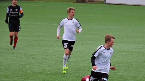 Viime viikolla Miro Salminen (numero 23) pelasi Hakan harjoitusottelussa Ilves-Kissoja vastaan.