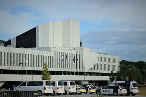 Kaikki Suomessa pidettävät EU-kokoukset on keskitetty Helsingin Finlandia-taloon, kun edellisellä puheenjohtajakaudella vuonna 2006 kokouksia pidettiin 21 paikkakunnalla.