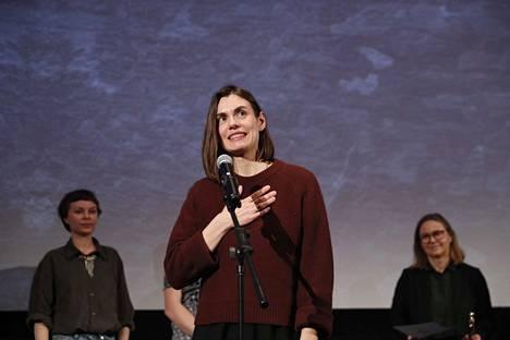 Anna-Karin Grönroosin Orkesterin edessä voitti yli 30-minuuttisten, kotimaisten elokuvien palkinnon.