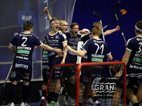 Muun muassa Simo Paulaharju ja Henri Johansson nähdään KrP:ssä myös tulevalla kaudella.