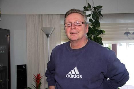 Seppo Uusi-Oukari on maratontaulukossa KaMan pääsarjatason pelinjohtajista kaikkein kokenein. Hän myös johti Mailan edellisen kerran mitaleille kaudella 1988. Hän ei kuitenkaan ole lukijoiden mielestä kaikkien aikojen paras viuhkamies.