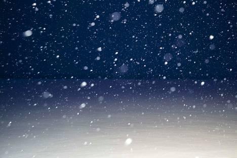 Lumisadealue kulkee Suomen keskiosien yli keskiviikon vastaisena yönä ja seuraavan kolmen vuorokauden aikana. Tampereelle sadealue tuo todennäköisesti vain räntää. Viikonlopuksi ennustetaan Tampereen seudulle pakkasta. Tältä näytti Tampereella tämän vuoden tammikuussa.