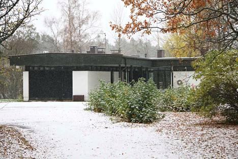 Keuruun kirkkoherran virka-asunnoksi rakennetusta uudesta pappilasta tehty korkein tarjous oli 181 000 euroa