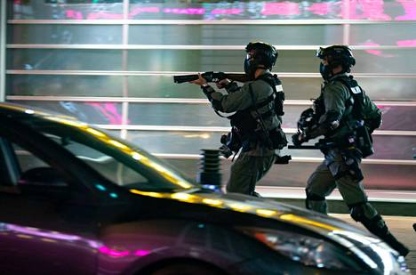 Hongkongissa poliisi on ottanut jälleen yhteen mielenosoittajien kanssa.