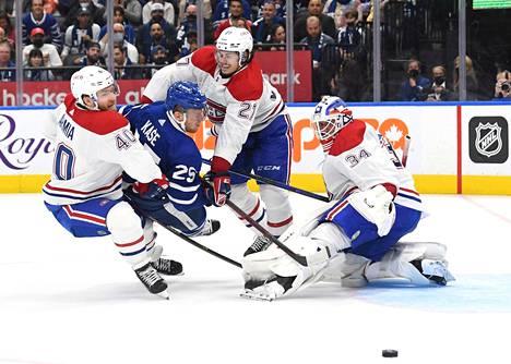 Montrealin suomalaisista NHL-kautensa avasivat hyökkääjät Joel Armian (vas.) lisäksi Artturi Lehkonen.
