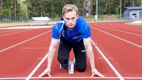 Jasper Leppäkankaan paluu kilpajuoksuradoille sattui juoksukokeilun jälkeen. Kun kello pysähtyi satasen testijuoksussa aikaan 11,6, idea lajiin panostamisesta heräsi.