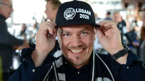 Yhden uuden vuoden lupauksen Marko Laaksonen uskaltaa antaa. –Hakan toiminta kehittyy entistä asiakaslähtöisempään suuntaan. Haka-sydän ja intohimo kaikkeen tekemiseen tulee näkymään. Korona voi aiheuttaa haasteita, mutta edelleen on mahdollista viedä eteenpäin valkeakoskelaista urheilua.