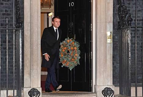 """Ranskan presidentti Emmanuel Macron aiheutti hiljattain kohua kutsumalla sotilasliitto Natoa """"aivokuolleeksi"""". Macron sanoi tiistaina, että hän seisoo sanojensa takana."""