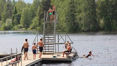 Lapinsalmen uimalan vesi on tarkassa seurannassa. Kaupunki valvoo vesien puhtautta uimarannoillaan ja Lapinsalmessa on myös valtakunnallisen säännöllisen leväseurannan havaintopiste.