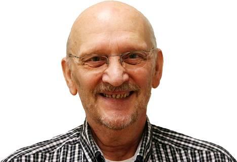 Liikenneopettaja Kari Anttila on KMV-lehden liikennesarjan asiantuntija.