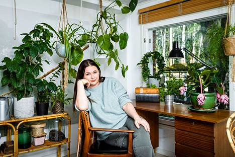 Aamulehti kuvasi Tampereen kulttuuripääkaupunkihaun johtoryhmään kuuluvan teatteriohjaaja Marika Vapaavuoren hänen kotonaan Tampereen Petsamossa huhtikuussa.