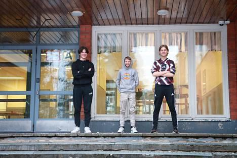 Axel Eliander, Miki Koskinen ja Juuso Nieminen ovat tki_highground kings.