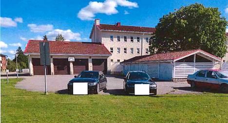 Syyttäjän mukaan poliisin jo kertaalleen petosliigalta takavarikoima BMW päätyi uudelleen rikollisten haltuun. Anastus tehtiin Kokemäen poliisiaseman pihasta. Kuva on poliisin esitutkintamateriaalista.