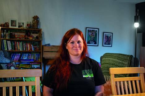 Nokialainen Jenni Helander perusti muutama kuukausi sitten kotipalveluyrityksen ja kokemukset ovat olleet  hyviä.