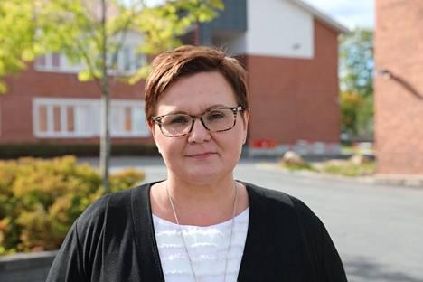 Jämsän kaupunginjohtaja Hanna Helaste kommentoi Vesa Ruuskan kolumnia.