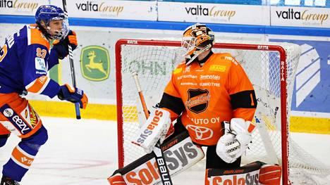 Lassi Vanhatalo pani lapaa jäähän ja sai nimensä lehteen. Tappara-kolossi viimeisteli keskiviikkona voittomaalin Victor Brattströmin taakse.