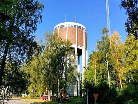 Valkeakoskella sijaitsevan Jyräänmäen vesitornin katon kunnostus aloitettiin vuonna 2020. Tältä paikalla näytti viime syksynä ennen saneerauksen aloittamista.