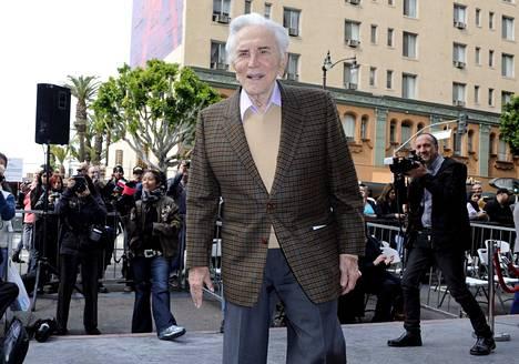Kirk Douglas näytteli urallaan yli 90 elokuvassa. Douglas kuvattuna Hollywoodissa vuonna 2011.
