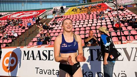 Wilma Murto huipensi Kalevan kisat tekemällä uuden seiväshypyn SE:n 472.