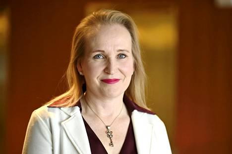 Suomi ikääntyy kovaa tahtia, toteaa Teknologiateollisuuden varatoimitusjohtaja Minna Helle.
